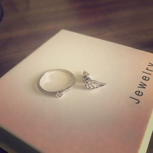 Ring and one piece of ear rings